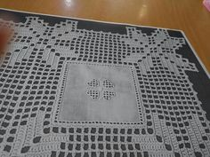 Crochet Lace Edging, Filet Crochet, Crochet Patterns, Interior Design Guide, Advanced Embroidery, Crochet Tablecloth, Lace Doilies, Table Toppers, Embroidery Designs