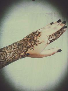 Henna by @fatiasra #Eid2016