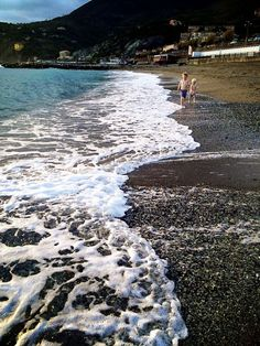 Levanto, Italy- where to stay and why this is the perfect town to set up in while exploring the Italian Riviera and Cinque Terre.