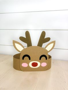 This DIY reindeer headband craft is a fun Christmas activity for kids! It comes with a free printable template to make this craft, print in full color or print in black and white to color in! activities Reindeer Headband Craft For Christmas Diy Christmas Decorations For Home, Christmas Crafts For Kids To Make, Kids Christmas, Holiday Crafts, Decoration Crafts, Spring Crafts, Holiday Decor, Christmas Gifts, Christmas Activities For Toddlers