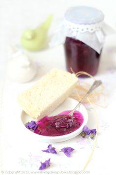 Violet petal jam ❤ http://everycakeyoubake.blogspot.nl/2012/04/konfitura-z-patkow-fiokow.html