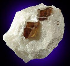 Phlogopite,  KMg3(Si3Al)O10(F,OH)2, Badakshan, Afghanistan
