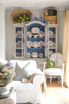 Chic Kitchen Ikea China Cabinet Refresh with Chicken Wire French Country Rug, French Decor, French Country Decorating, French Farmhouse, Vintage Farmhouse, Country Farmhouse, Shabby Chic Kitchen, Shabby Chic Homes, Country Kitchen