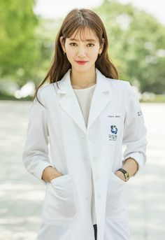Kim Rae Won and Park Shin Hye transform into sexy doctors for Doctor Crush