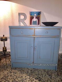 Mueble madera maciza  #workshop #vintageshop #decor #muebles #madera #chalkpaint #pinturaalatiza #trastosdelaganbara #pasaia