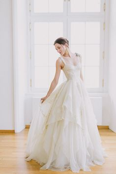 Elegant bridal portrait ideas.