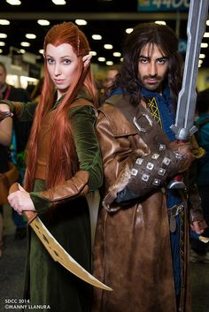 Tauriel and Fili #Hobbit | San Diego Comic Con 2014 --- DID THEY JUST PUT TAURIEL AND FILI? IT'S KILI. Also, I don't ship them, but this is an amazing cosplay.