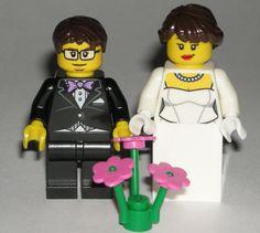 LEGO WEDDING BRIDE GROOM Minifigures Happy / Nervous Faces Dress Tux Flowers #LEGO Star Wars Jedi, Lego Star Wars, Daisy Bouquet Wedding, Wedding Dress, Lego Flower, Lego Frame, Lego For Sale, Lego Wedding, Lego Custom Minifigures