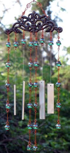 47 Beautiful Beaded Wind Chime to Add Sparkle to The Garden - GODIYGO.COM - Beautiful beaded wind chime to add sparkle to the garden 29 The Effective Pictures We Offer You Abo - Mobiles, Carillons Diy, Sun Catchers, Blowin' In The Wind, Diy Wind Chimes, Glass Marbles, Garden Crafts, Yard Art, Decoration