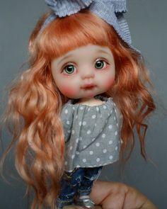 437 отметок «Нравится», 18 комментариев — Alice Moon Club (@alicemoonclub) в Instagram: «А вот и хозяйка туфелек Малышка свободна. New doll for sale Sold out #alicemoonclub #ooak…»