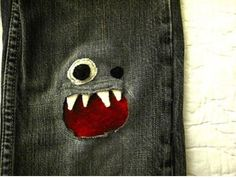 Cute way to patch a hole in jeans. Great for little boys. hell i'd patch my own jeans this way lol Sewing Hacks, Sewing Crafts, Craft Projects, Sewing Projects, Craft Ideas, Learn To Sew, How To Make, Creation Couture, Baby Kind