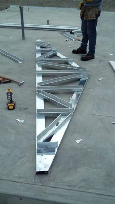 Construccion Metal Stud Framing, Steel Framing, Steel Trusses, Roof Trusses, Garage Plans With Loft, Steel Building Homes, Roof Truss Design, Steel Frame House, Steel Frame Construction