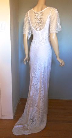Victorian antique scalloped lace wedding dress by MuseClothing