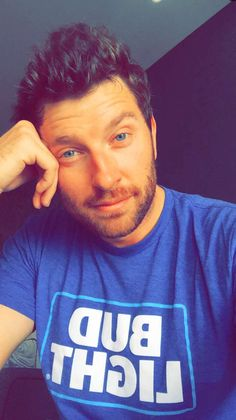 My man Brett Eldredge is the number 1 reason I have snapchat!