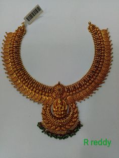 Gold Temple Jewellery, Gold Wedding Jewelry, Gold Jewelry Simple, Gold Jewellery Design, Gold Earrings Designs, Chocker, Corals, Gold Necklace, Ornaments