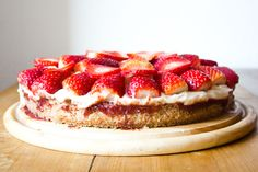 Strawberry Custard Cake (vegan, glutenfree)