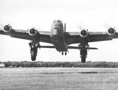 Short Stirling Photo Collection - Page 18 - Short Stirling & RAF Bomber Command Forum Air Force Aircraft, Navy Aircraft, Ww2 Aircraft, Military Aircraft, Stirling, Aviation Image, Experimental Aircraft, Ww2 Planes, Nose Art