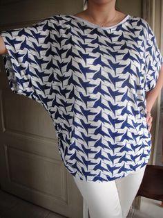 bluz modelleri dikiş | Kumaşı çok ince penye. Yaka önden kayık yaka, sırt V biçiminde ...