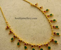 very simple emeralds and ruby necklace Gold Earrings Designs, Gold Jewellery Design, Necklace Designs, Collar Hippie, Boho Chic, Gold Jewelry Simple, Bridal Jewelry, Ruby Jewelry, Jewelry Necklaces