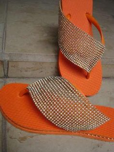Discover thousands of images about Flip-Flop Refashion - Bling Flip Flops, Bling Sandals, Bling Shoes, Sock Shoes, Shoe Boots, Homemade Shoes, Crochet Flip Flops, Shoe Makeover, Flip Flops