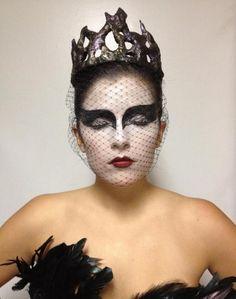crown veil make-up idea halloween dress-up