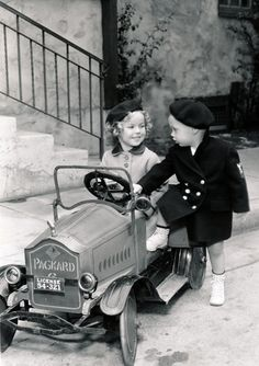Shirley Temple and Baby LeRoy, 1934. Oh my gosh i love this photo!!!!