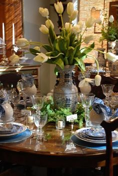 Lovely tablescape. Splendor in the South