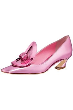 reminds me of shoes from the pilgrims. that era Dior Shoes 2014, Dior 2014, John Galliano, Pink Fashion, Fashion Shoes, Christian Dior, Givenchy, Yves Saint Laurent, Shoe Boots
