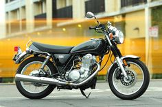 Going (Really) Retro with the 2015 Yamaha SR400: A review of Yamaha's…