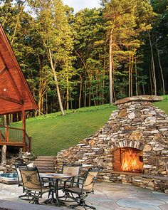 11 Beautiful Outdoor Fireplaces