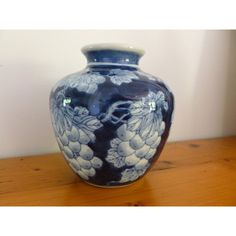 Vintage Blue and White Grape Design Vase, Blue and White Pottery, Home... ($19) ❤ liked on Polyvore featuring home, home decor, vases, head vase, european home decor, blue white vase, bubble vase and blue white ginger jar