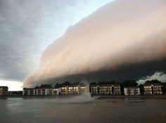 Spectacular shelf cloud from Morton IL