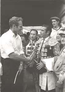 El torero Antonio Ordoñez y Charlton Heston