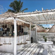 13 Coolest Modern Terrace And Outdoor Space Design Ideas – My Life Spot Outdoor Cafe, Outdoor Restaurant, Outdoor Living, Restaurant Restaurant, Outdoor Seating, Terrazas Chill Out, The Beach People, Beach Cafe, Beach Shack