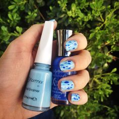 Quick and easy manicure for Monday (Flormar 423 Baby Blue & Sally Hansen Pasific Blue)