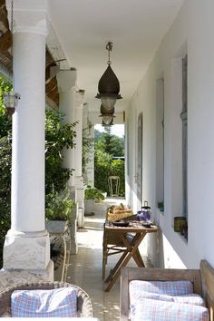 Nyári idill egy vidéki otthonban - Lakáskultúra magazin Outdoor Decor, House, Cottage, Home, Farmhouse, Porch, Countryside House, Modern, Home Decor