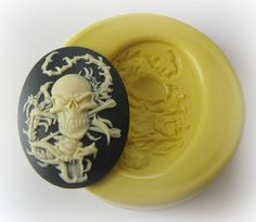Steampunk - Lady Skull Cameo Mold Silicone Flexible Kawaii Moulds by WhysperFairy Polymer Clay Art, Polymer Clay Jewelry, Mint Recipes, Steampunk Gears, Scented Wax Melts, Resin Charms, Uv Resin, Miniature Crafts, Air Dry Clay