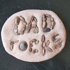 Dad Rocks Salt Dough Paperweight   To see more like this pin, click on http://pinterest.com/kindkids/crafting-creativity-charlotte-s-clips/