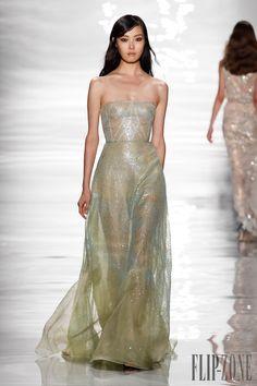 Reem Acra Spring-summer 2015 - Ready-to-Wear - http://www.flip-zone.net/fashion/ready-to-wear/fashion-houses-42/reem-acra-4888 - ©PixelFormula