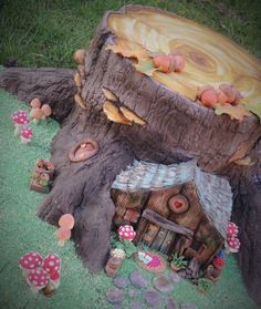 Fairy House Tree Stump - Cake by Shereen