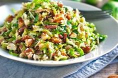 This bacon and brussel sprout salad is so good! Thinly sliced brussel sprouts, crumbled bacon, Parmesan, almonds, and shallot citrus dressing. Best to roast brussel sprouts and add diced avocado. Shaved Brussel Sprouts, Brussels Sprouts, Frango Chicken, Paleo Recipes, Cooking Recipes, Cooking Tips, Bacon Salad, Breakfast, Vegetarian