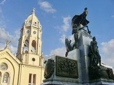 La Plaza Bolivar del Casco Viejo (Ciudad de Panamá) Panama...another possible location for Christmas!