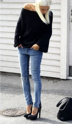 simple and chic: loose black top, jeans, black pumps http://www.studentrate.com/fashion/fashion.aspx
