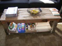 upcycled pallet bench / coffee table