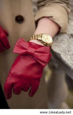 Adorable red leather bow gloves