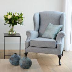 Onze seats & sofa's zijn verkrijgbaar in verschillende kleuren en afwerkingen. Ontdek de mogelijkheden in store of online!