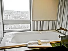 The #Trump SoHo – Huge luxury #bathrooms, especially so for New York City #NYC