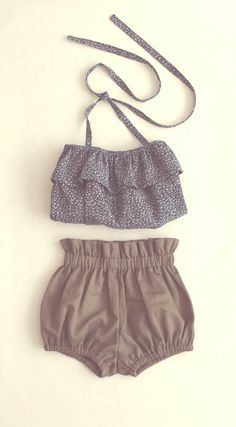 Light Green Bloomers / Bubble Shorts / Girls  / Paperbag Shorts / Diaper Cover Toddler / Cotton Blend / Children