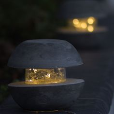 DIY Cement Outdoor Lamp Check out these clever home gardening tips and tricks! Best Picture For Cement planters For Your Taste You are looking for som Cement Art, Concrete Crafts, Concrete Art, Concrete Projects, Diy Crafts Hacks, Diy Home Crafts, Diy Arts And Crafts, Garden Crafts, Garden Ideas