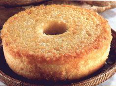 Bolo de Mandioca e Queijo (Man� Pelado) - Veja mais em: http://www.cybercook.com.br/receita-de-bolo-de-mandioca-e-queijo-mane-pelado.html?codigo=15354